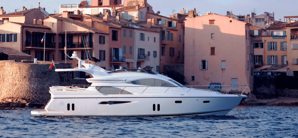Pearl 60 super yacht chater South of France