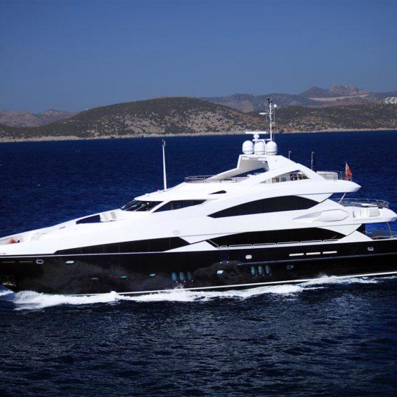 Sunseeker superyacht charter