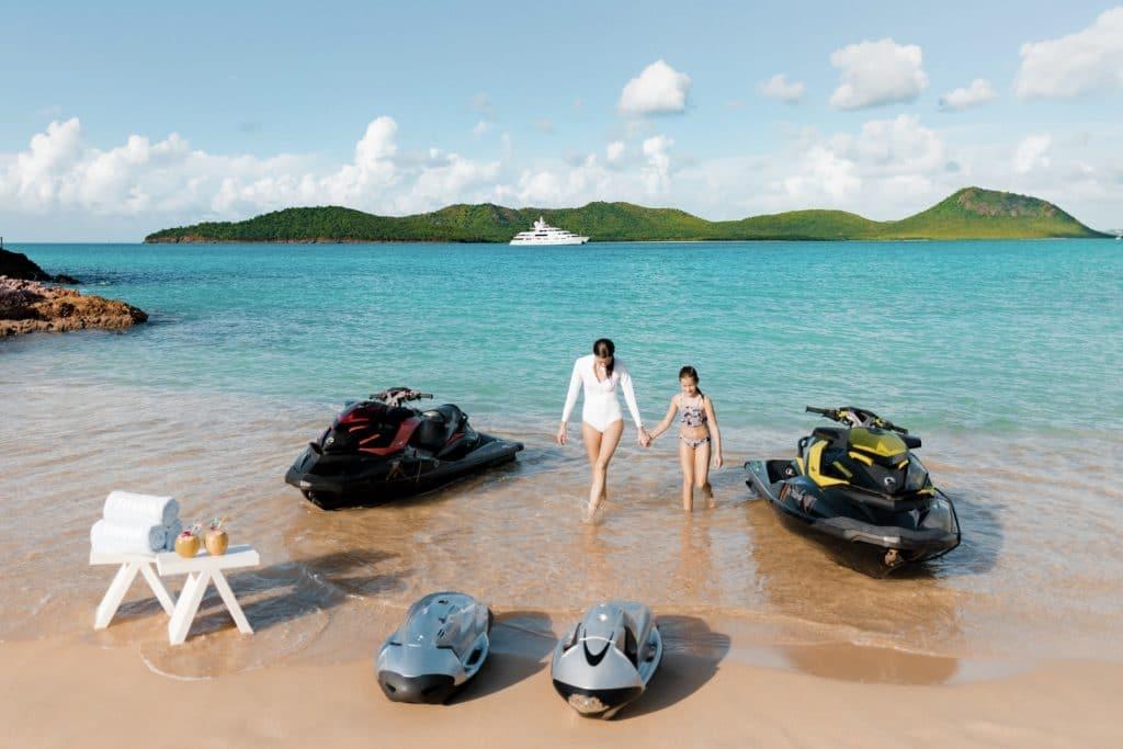 Super yacht Titania watersports